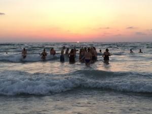 סדנת שבועות בחוף הים